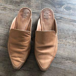 Halogen Corbin Mule Size 4M, Wheat Leather